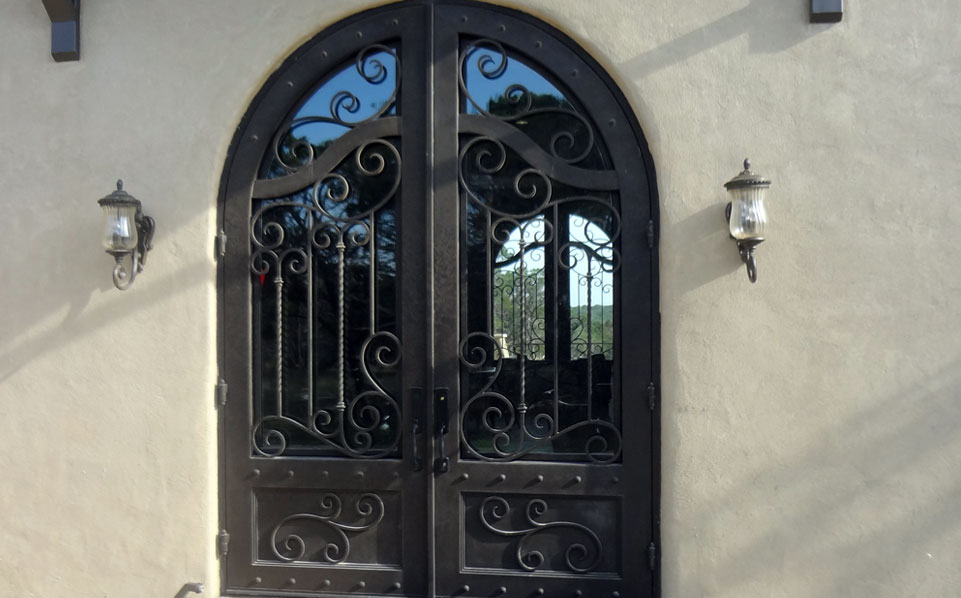 Reasons to Use Entry Iron Doors in Your Home